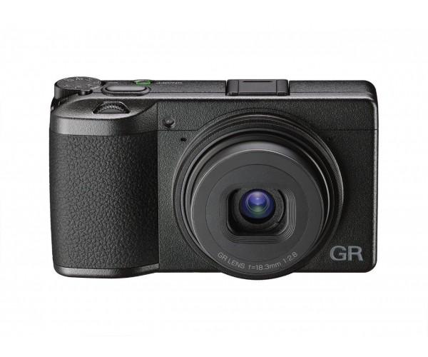Ricoh GR III Kompakt Dijital Fotoğraf Makinesi